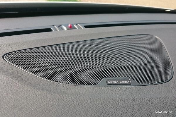 NewCarz-Volvo-V60-Cross-Country-14