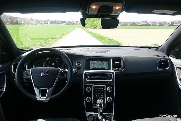 NewCarz-Volvo-V60-Cross-Country-18
