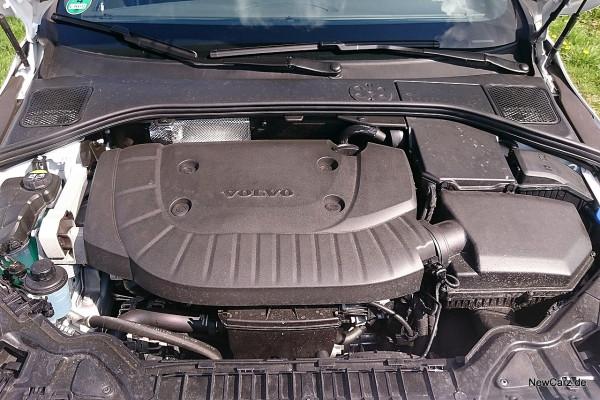 NewCarz-Volvo-V60-Cross-Country-24