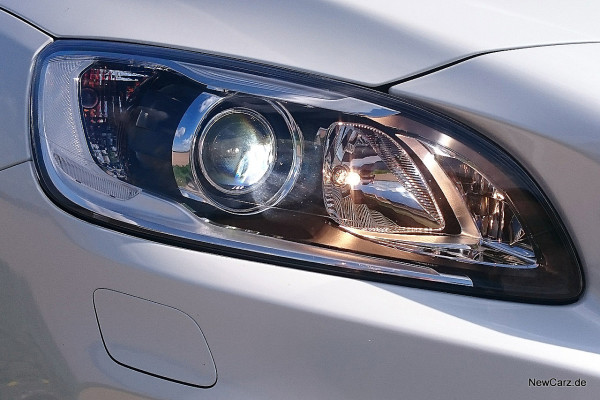NewCarz-Volvo-V60-Cross-Country-26