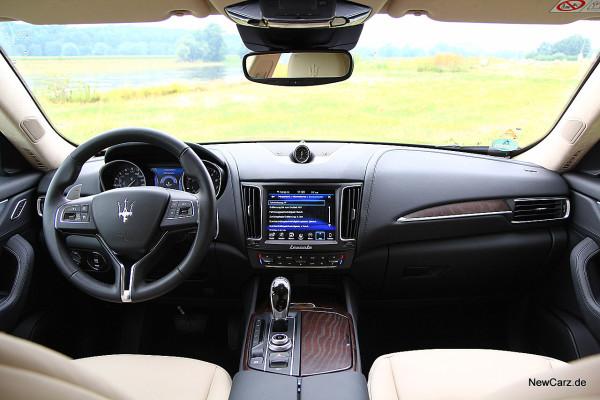 NewCarz-Maserati-Levante-2016 (11)