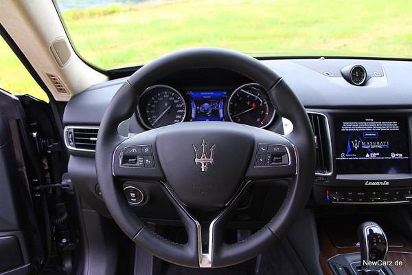 NewCarz-Maserati-Levante-2016 (31)