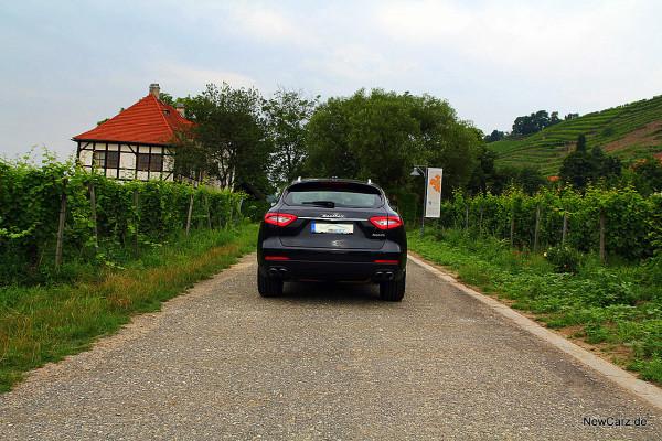 NewCarz-Maserati-Levante-2016 (37)