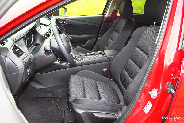 NewCarz-Mazda-6-Kombi (19)