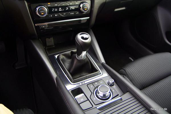 NewCarz-Mazda-6-Kombi (28)