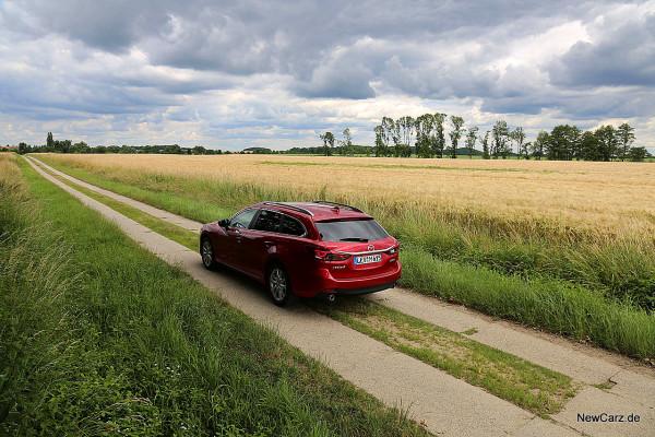 NewCarz-Mazda-6-Kombi (7)