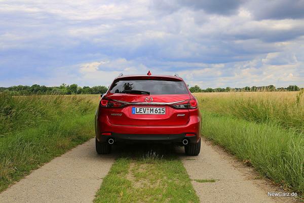 NewCarz-Mazda-6-Kombi (8)