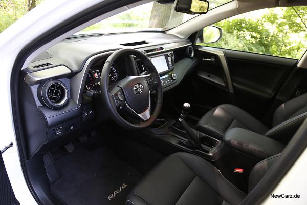 NewCarz-Toyota-RAV4-2016 (15)
