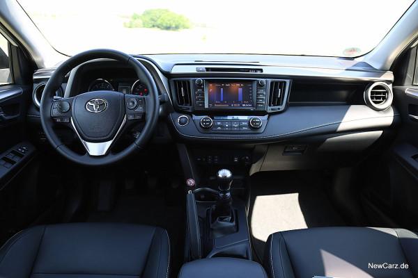 NewCarz-Toyota-RAV4-2016 (27)
