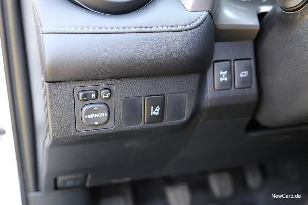 NewCarz-Toyota-RAV4-2016 (31)