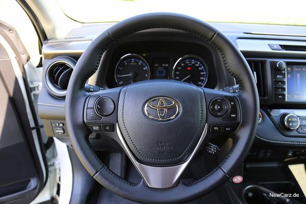 NewCarz-Toyota-RAV4-2016 (32)