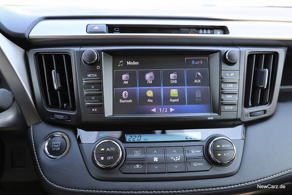 NewCarz-Toyota-RAV4-2016 (33)