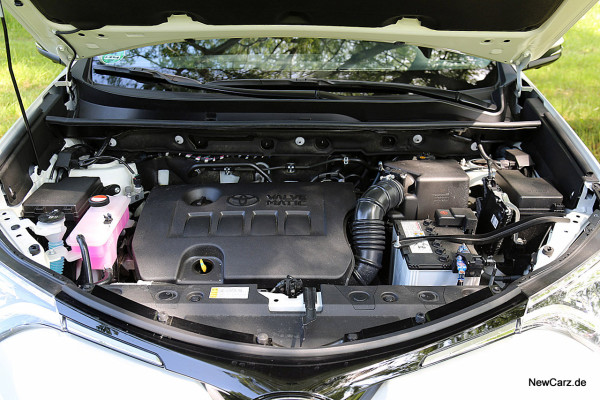 NewCarz-Toyota-RAV4-2016 (40)