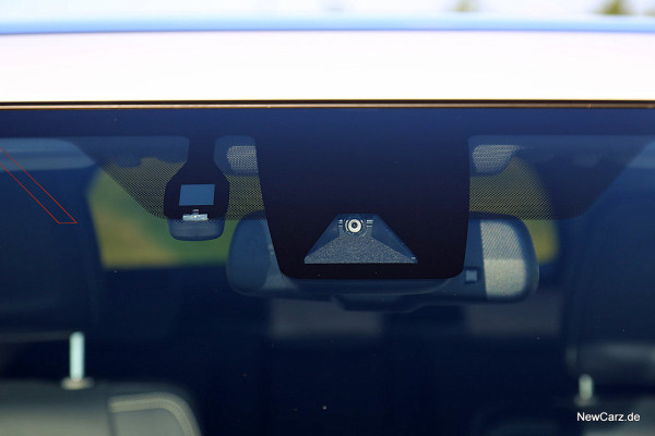 NewCarz-Toyota-RAV4-2016 (51)