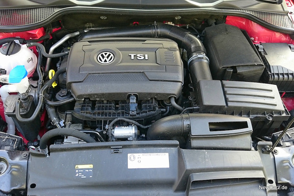 NewCarz-VW-Scirocco-2016 (1)