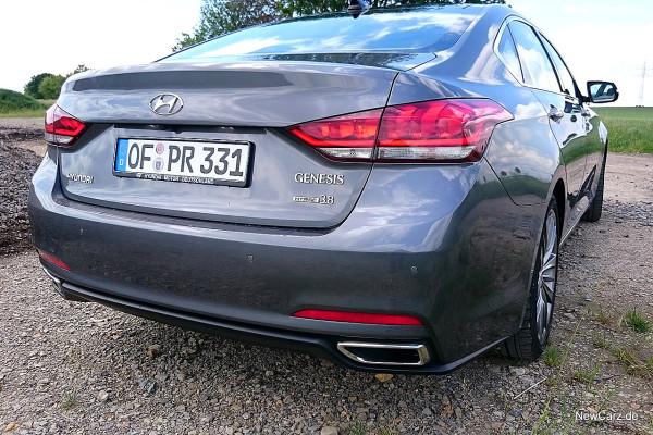 NewCarz-Hyundai-Genesis-11