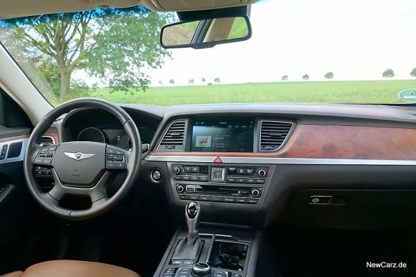 NewCarz-Hyundai-Genesis-12