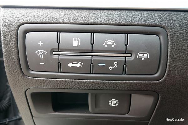 NewCarz-Hyundai-Genesis-19