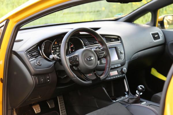 NewCarz-Kia-pro_ceed-GT-12