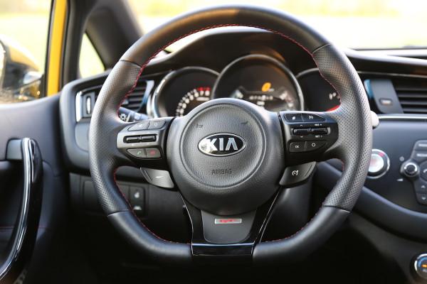 NewCarz-Kia-pro_ceed-GT-21