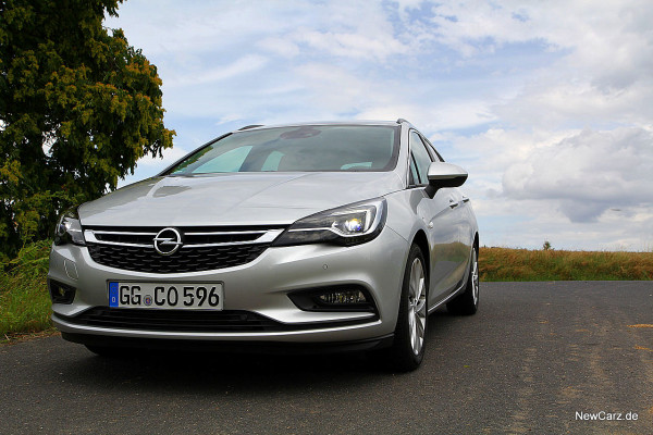 NewCarz-Opel-Astra-Sports-Tourer (16)