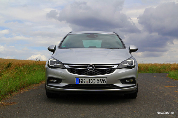 NewCarz-Opel-Astra-Sports-Tourer (2)