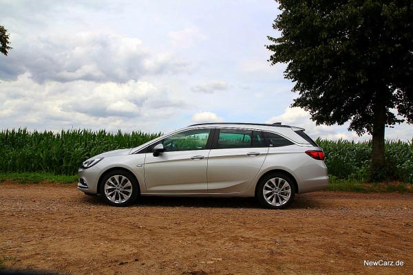 NewCarz-Opel-Astra-Sports-Tourer (22)
