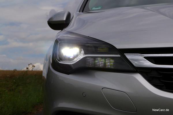 NewCarz-Opel-Astra-Sports-Tourer (4)