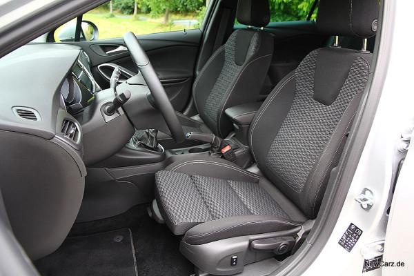 NewCarz-Opel-Astra-Sports-Tourer (7)