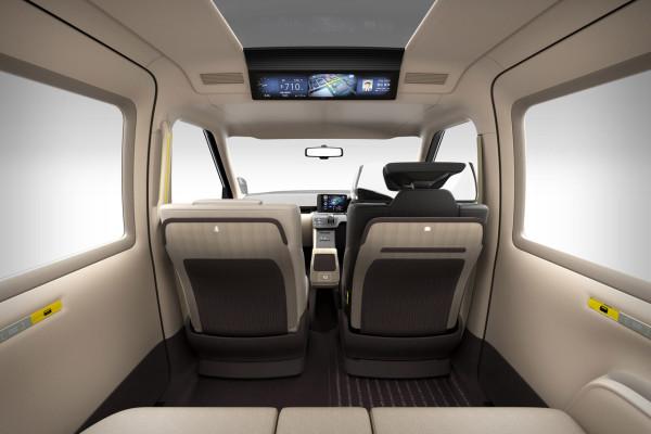 NewCarz-Toyota-Taxi-Concept (2)
