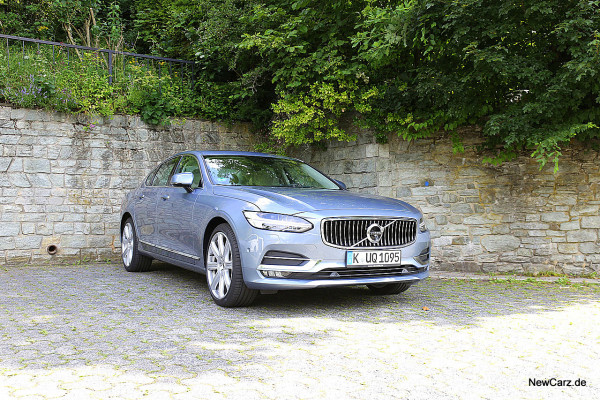 NewCarz-Volvo-S90-D5 (2)