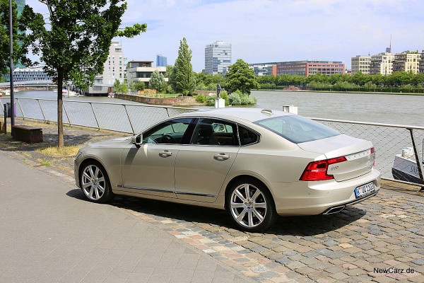 NewCarz-Volvo-S90-D5 (9)