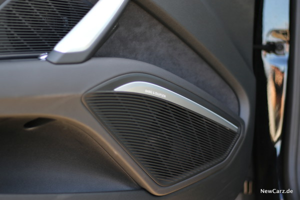 NewCarz-Audi-TTS-Roadster-04