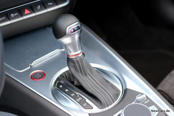 NewCarz-Audi-TTS-Roadster-22