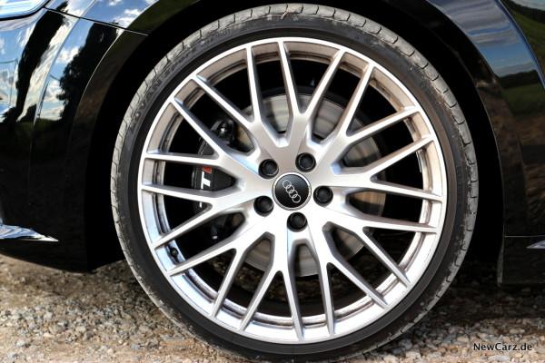 NewCarz-Audi-TTS-Roadster-27
