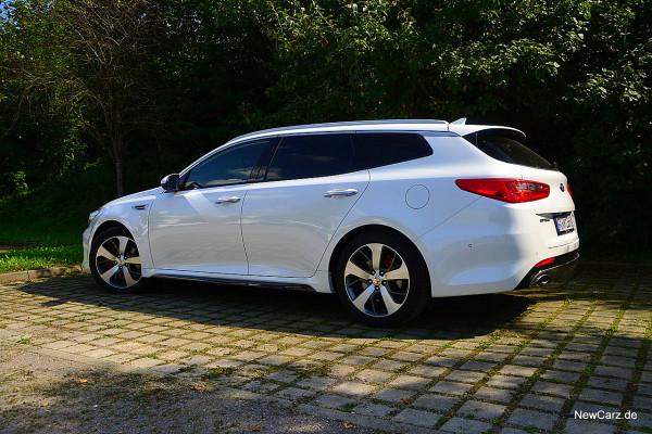 NewCarz-Kia-Optima-GT (14)