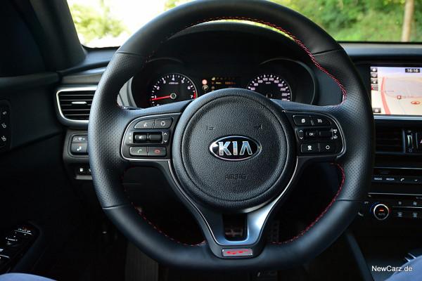 NewCarz-Kia-Optima-GT (9)