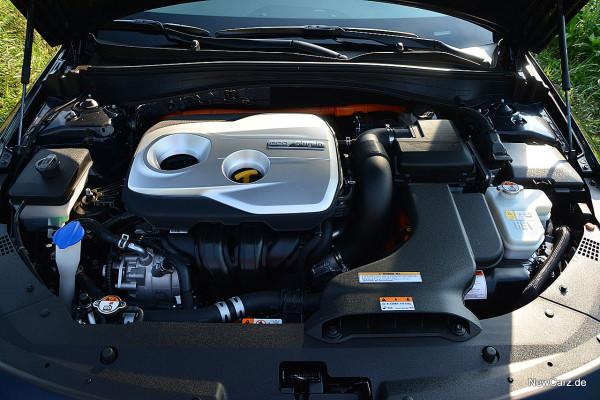 NewCarz-Kia-Optima-Hybrid (5)