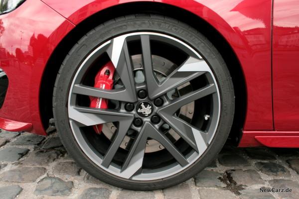 NewCarz-Peugeot-308-GTi-04
