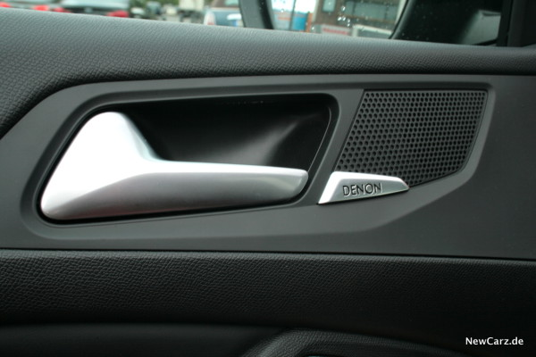 NewCarz-Peugeot-308-GTi-05