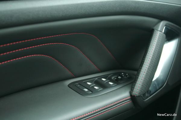 NewCarz-Peugeot-308-GTi-17