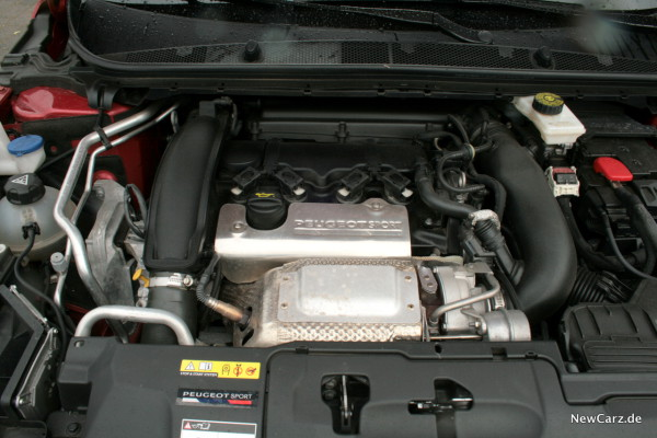 NewCarz-Peugeot-308-GTi-18