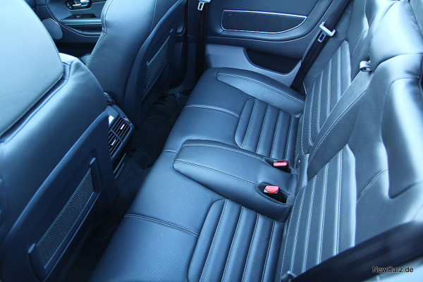 NewCarz-Range-Rover-Evoque-Cab (22)