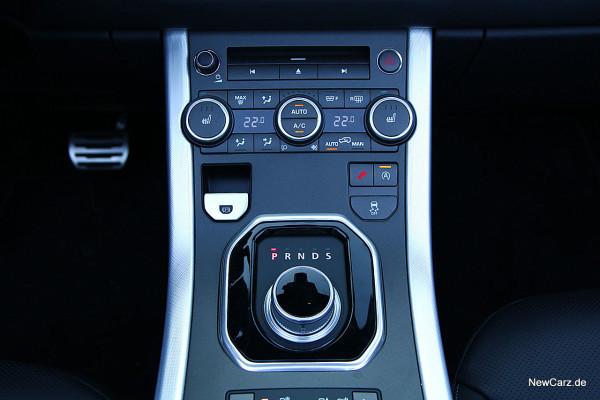 NewCarz-Range-Rover-Evoque-Cab (32)