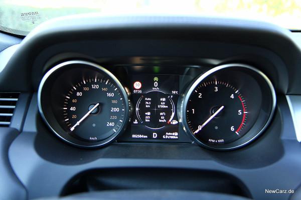 NewCarz-Range-Rover-Evoque-Cab (75)
