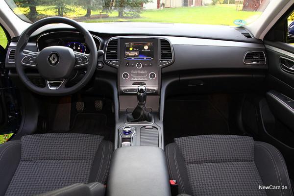 NewCarz-Renault-Talisman-Grandtour (11)