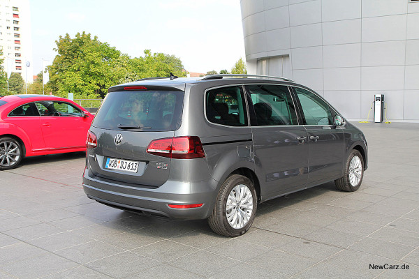 NewCarz-VW-Sharan-4Motion (4)