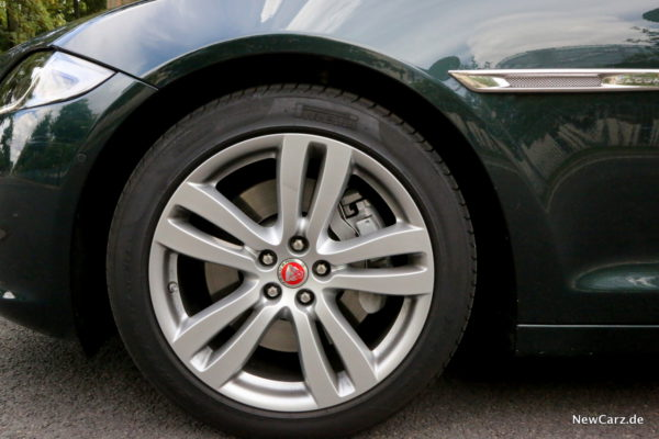 newcarz-jaguar-xj-portfolio-22