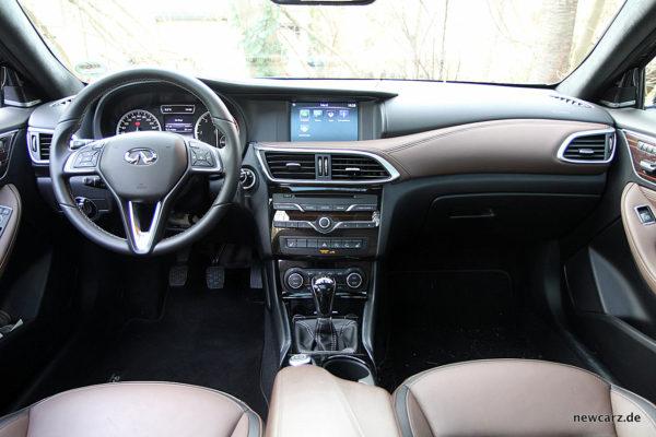 Infiniti Q30 Cockpit