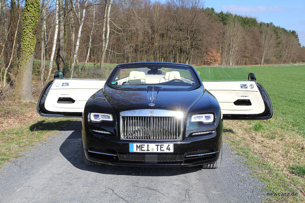 Rolls-Royce Dawn Doors open